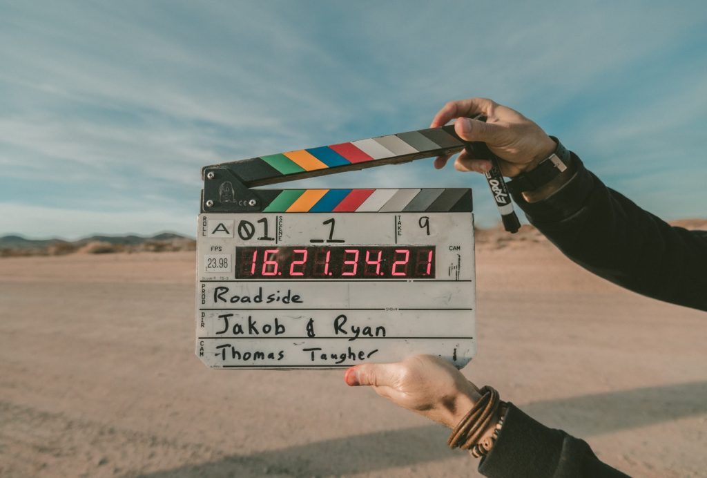 映画を撮影している